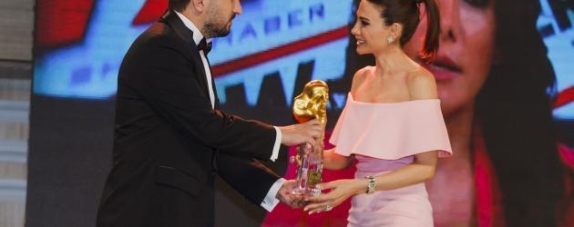 İlişki Durumu: Karışık, En iyi romantik komedi dizisi seçildi