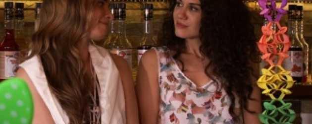 Aşk Emek İster'de Leyla ve Deniz arkadaş oluyor! [Video]
