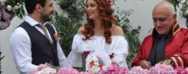 İkinci kez evlendi!