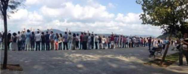 Leyla ile Mecnun için Kireçburnu'ndan TRT'ye el salladılar!