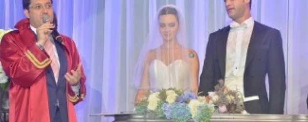 Birce Akalay ve Sarp Levendoğlu evlendi!