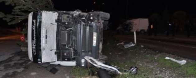 Galip Derviş ekibinin minibüsü kaza yaptı!