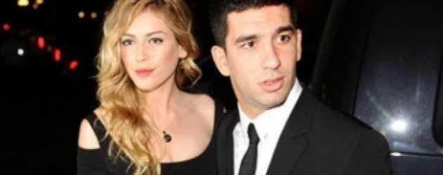 Sinem Kobal ve Arda Turan arasında göndermeler!