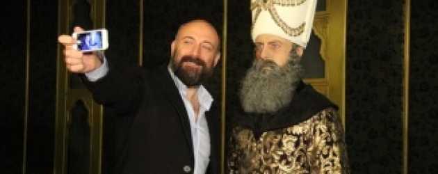 Halit Ergenç'in sakalı bakın nereye gitti?
