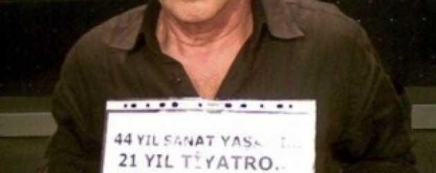 Ünlü tiyatrocu Taksim'de dilendi!