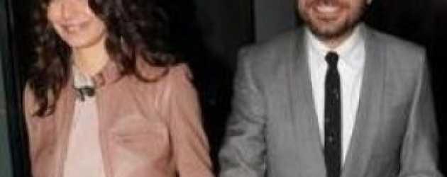 Beren Saat ile Kenan Doğulu'nun öpüşme fotoğrafına tepki