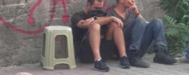 Çağatay Ulusoy'un setteki bu görüntüsü dikkat çekti