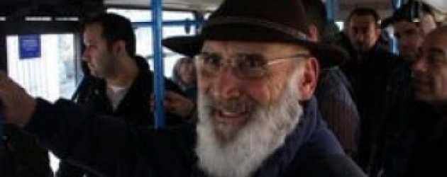 Tuncel Kurtiz Halk Otobüsünde
