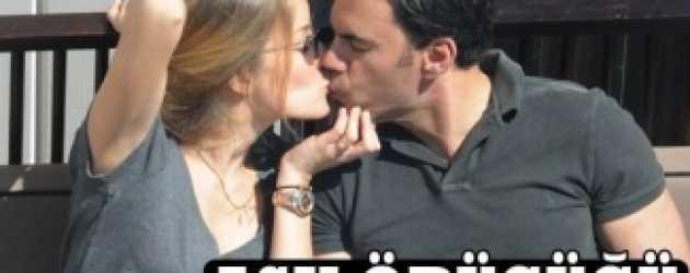 Bade İşçil'den aşk öpücükleri!