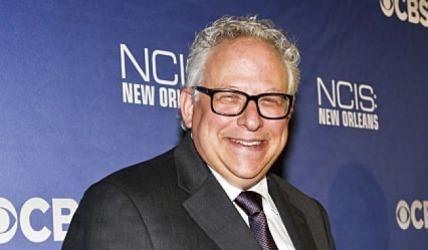 NCIS ekibi eski showrunner Gary Glasberg'i unutmadı