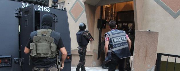 Dizi setine polis baskını!