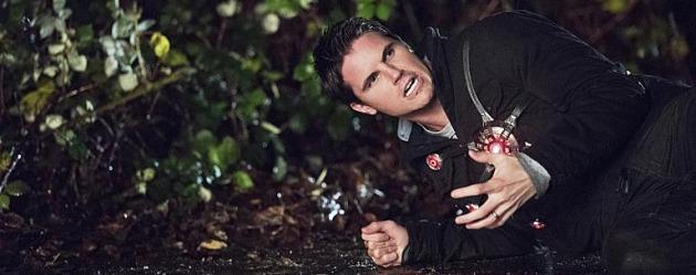 The Flash 3. sezonda Robbie Amell geri dönüyor!