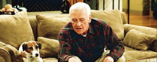 Frasier dizisinin yıldız ismi John Mahoney hayatını kaybetti!