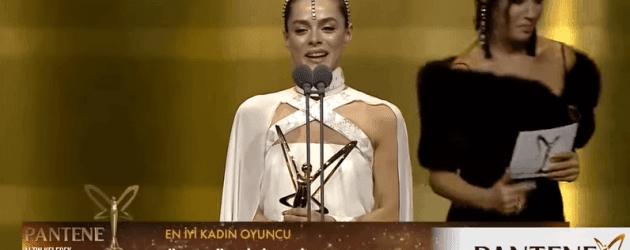 Kadın dizisinin Bahar'ı Özge Özpirinççi'den duygulandıran teşekkür konuşması!