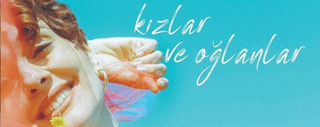 Oyuncu Bergüzar Korel tek kişilik tiyatro oyununu ilk kez sergiledi!