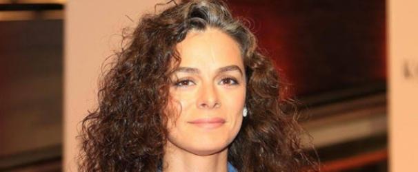 Özge Özpirinççi'nin yeni dizisi Şimdiki Aklım Olsaydı'nın oyuncuları belli oldu!