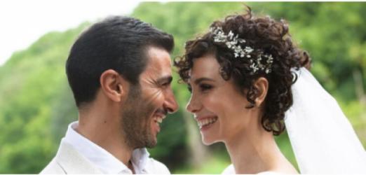 Songül Öden bir süredir beraber olduğu sevgilisi Arman Bıçakçı ile evlendi!