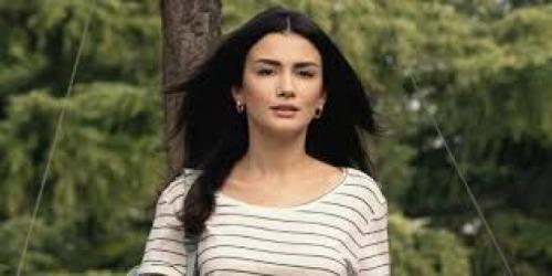 Sol Yanım'ın baş karakteri Serra'yı canlandıran Özge Yağız kalplere dokunacak!