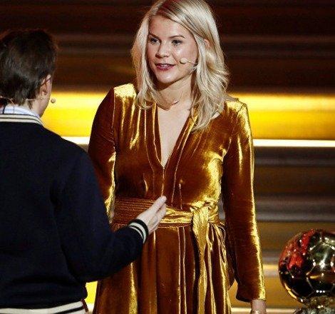 Ballon d'Or ödülünü kazanan ilk kadın futbolcuya yayın sırasında cinsiyetçilik yapıldı!