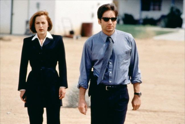 16-04/20/the-x-files-mulder-and-scully-650x437.jpg