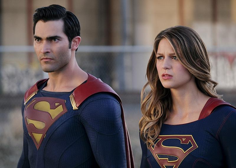 16-09/20/supergirl-superman-supergirl.jpg