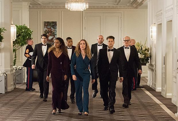 16-11/12/legends-of-tomorrow-season-2-additional-episodes.jpg