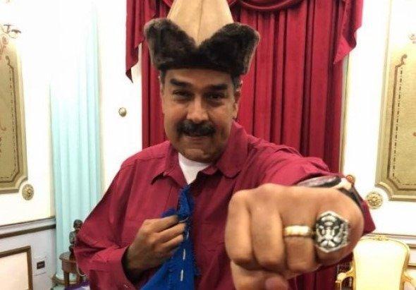 18-05/18/venezuela-devlet-baskani-maduro-da-dirilis-ertugrul-hayrani-cikti-1526651020.jpg