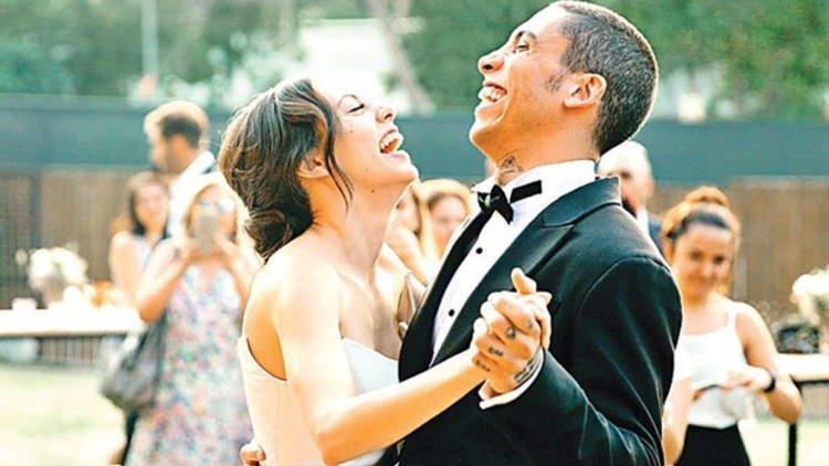 18-07/12/yku-karayel-can-bonomo-nikah.jpg