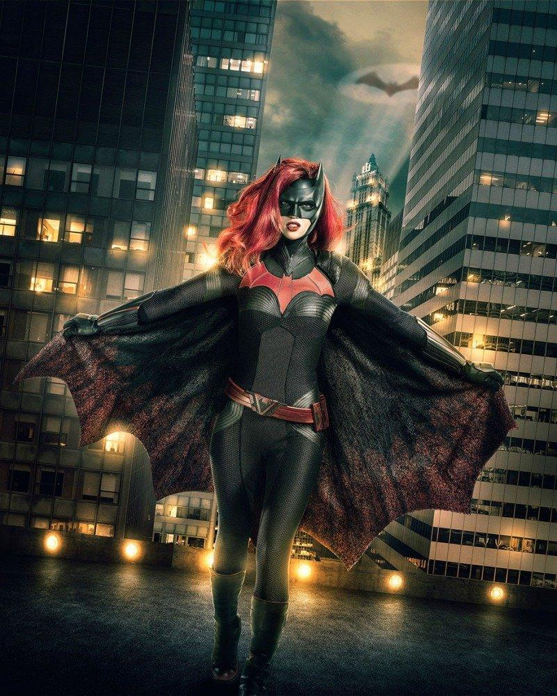 18-10/10/batwoman-ruby-rose.jpg