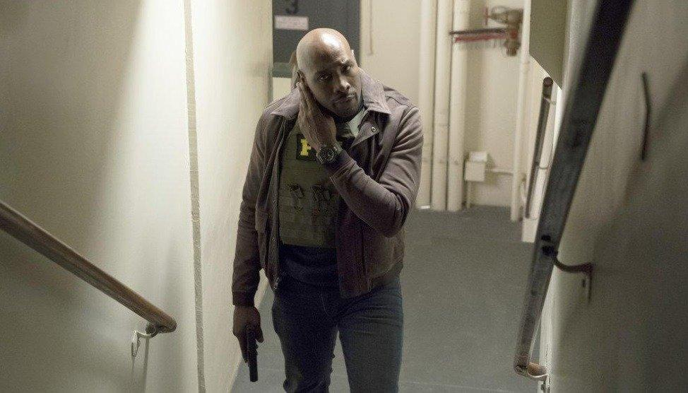 19-03/27/the-enemy-within-1x06-foto8.jpg