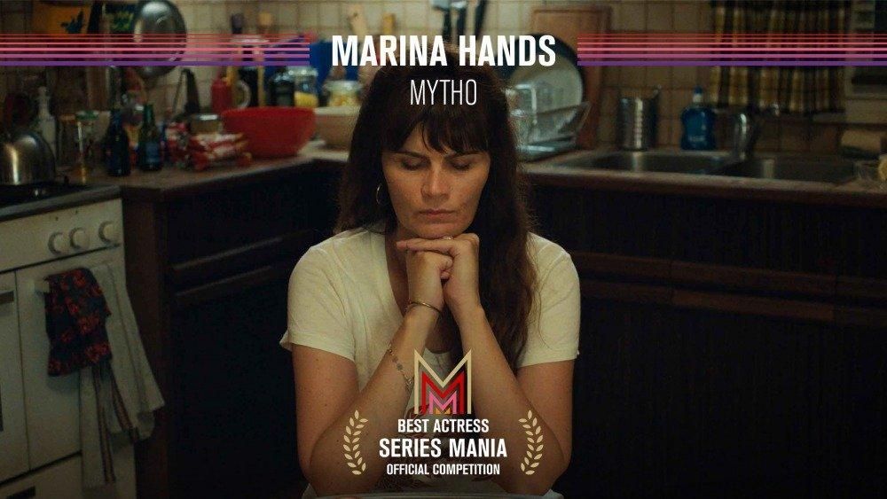 19-03/31/marina-hands.jpg