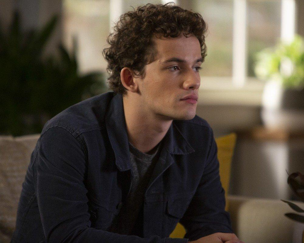19-04/07/the-perfectionists-1x04-foto5.jpg