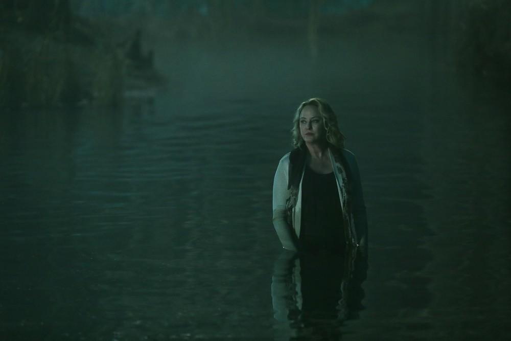 19-06/27/swamp-thing-1x05-foto5.jpg