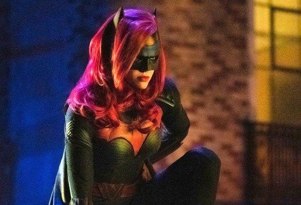 19-07/01/batwoman.jpg