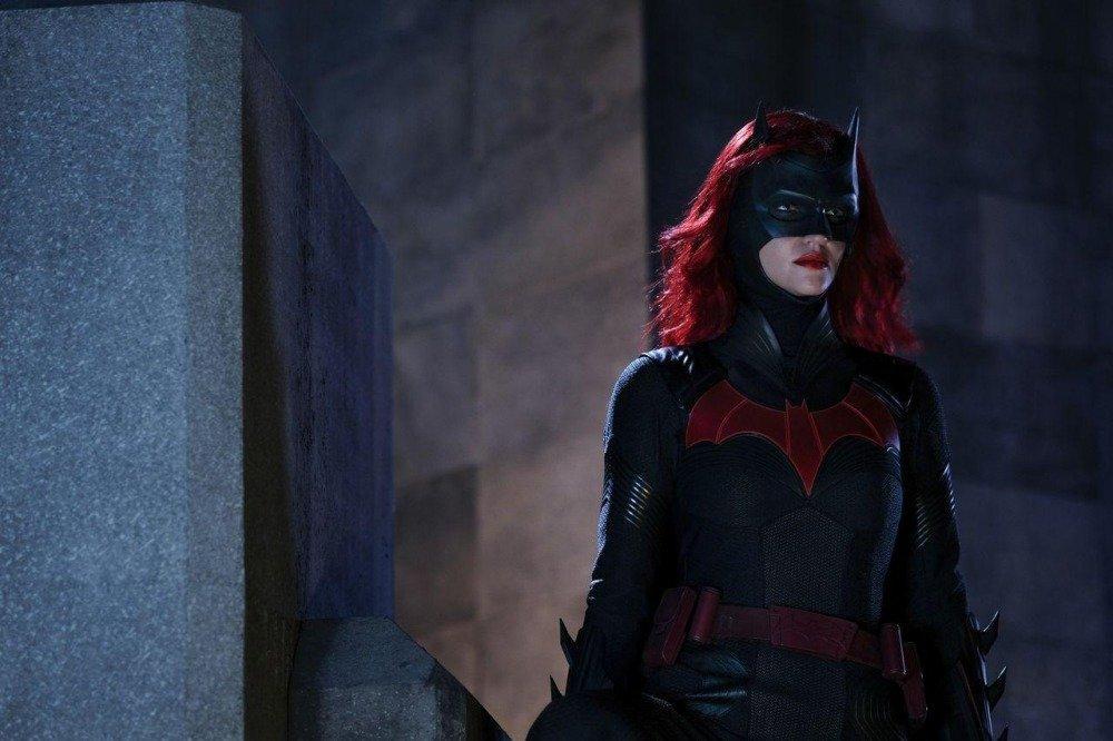 19-10/21/batwoman-1x03-foto4-1571609132.jpg