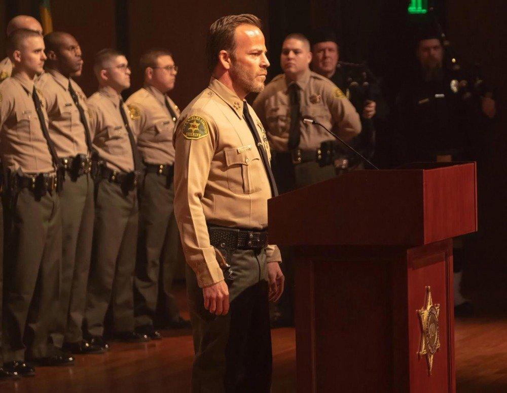 20-01/02/deputy-1x01-foto1.jpg
