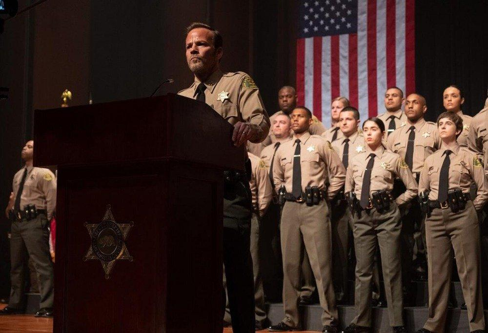 20-01/02/deputy-1x01-foto2.jpg