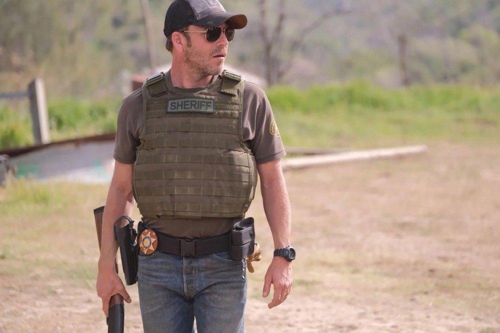 20-01/02/deputy-1x01-foto6.jpg