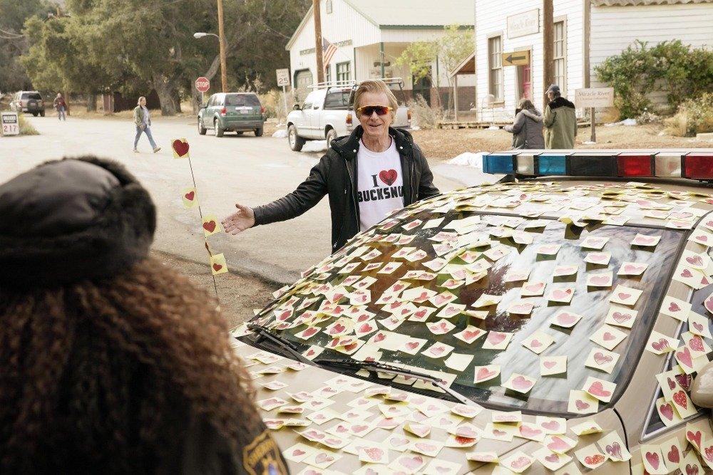 20-01/28/bless-this-mess-2x11-foto1.jpg