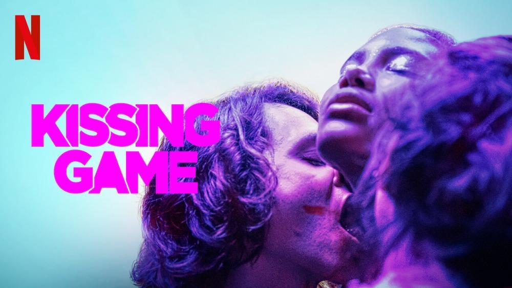 20-07/17/kissing-game.jpg