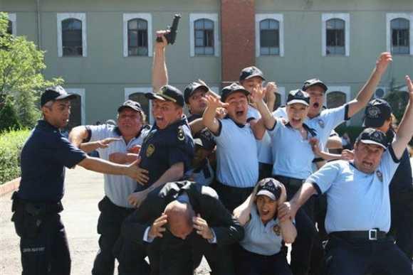 Ah Polis Olsam Fotoğrafları
