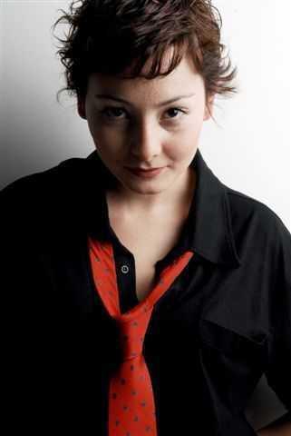 Nur Yazar Fotoğrafları