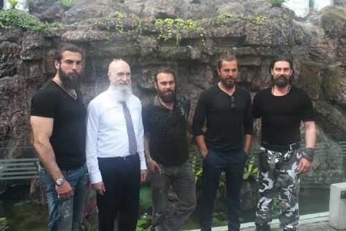 Diriliş Ertuğrul dizisi oyuncuları Konyada hayranlarıyla buluştu