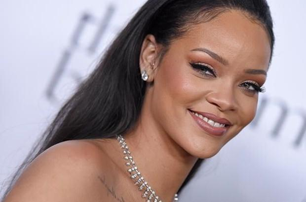 Rihanna dizide oynayacak